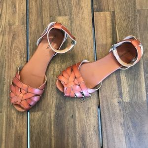 Mossimo Supply Co Ankle Strap Sandal 9 Cognac